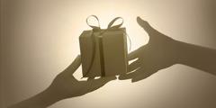 اعطاء هدية