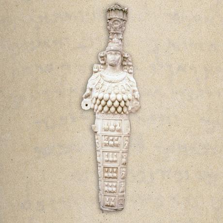 Uma estátua da deusa efésia Ártemis