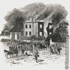 Įtūžusi minia niokoja Džozefo Pristlio namus ir laboratoriją