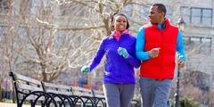 Un couple en train de faire du jogging