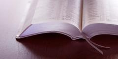 En oppslått bibel