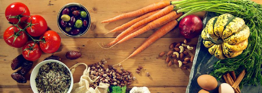 Resultado de imagem para Cuide de sua saúde comendo o mais natural possivel
