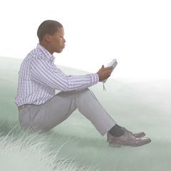 Mwanaume akisoma Biblia