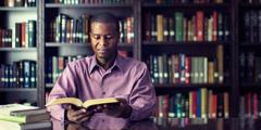 Ntate o khetha ho bala Bibele le hoja ho e-na le libuka tse ngata ka Laebrari