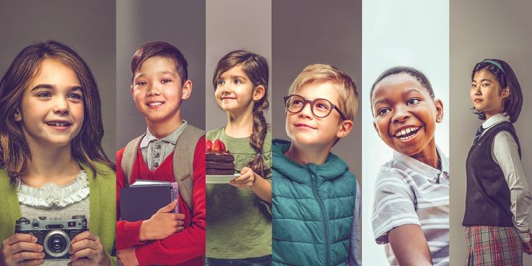 Seis crianças felizes