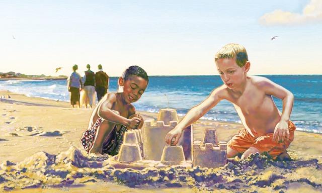 Dos niños de diferentes razas juegan juntos