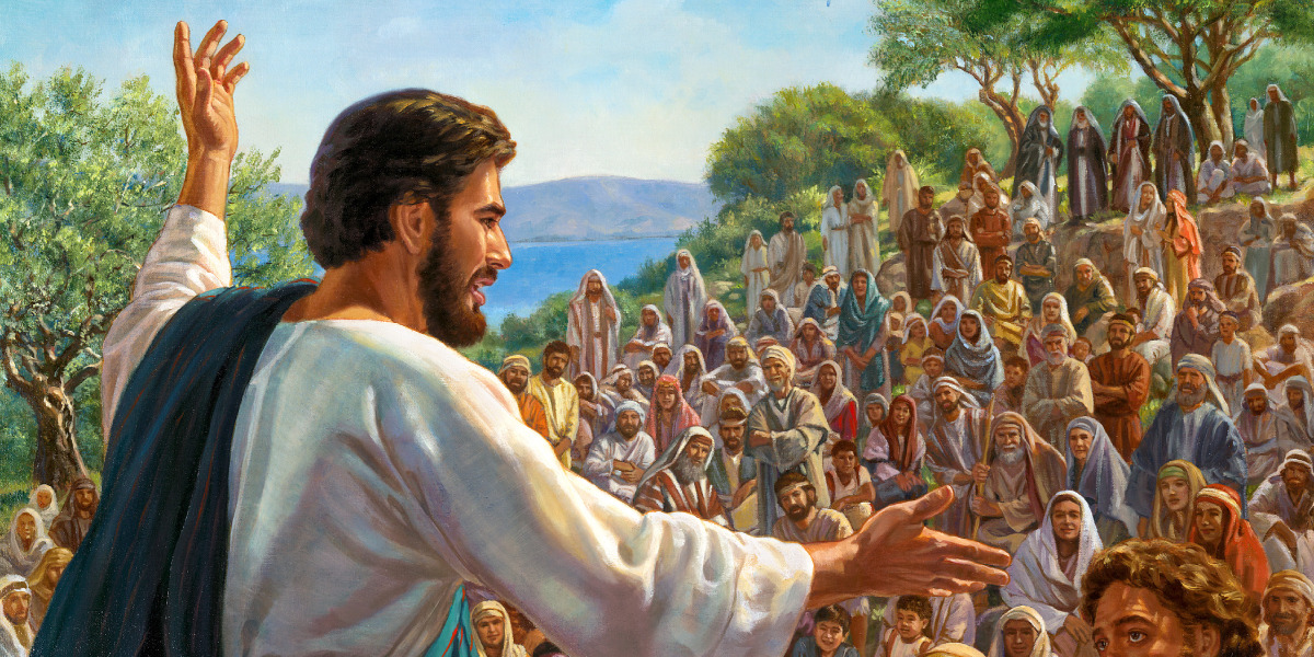 Jesus teaches a crowd