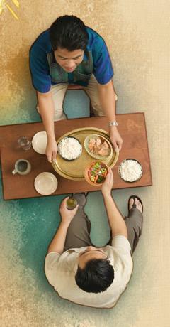 Buddhika og Sanath spiser sammen