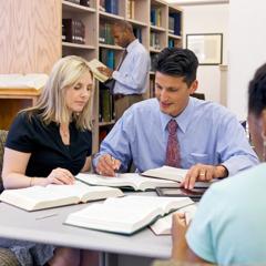 Studenten bei der Ausbildung für den Missionardienst