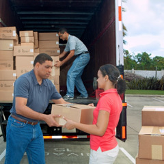 Jehovah's Witnesses helping with disaster-relief supplies in Dominican Republic