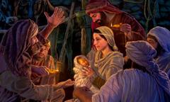 Στο στάβλο, η Μαρία κρατάει τον νεογέννητο Ιησού καθώς αυτή και ο Ιωσήφ ακούν τους ποιμένες