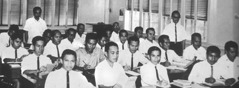 A Kingdom Ministry School class in the Philippines, 1966