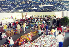 Jehovah's Witnesses organizing and distributing donated supplies for disaster relief in Brazil