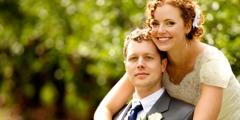 Manželia v svadobný deň