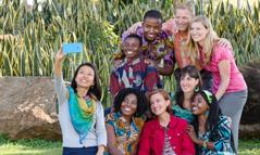 Một nhóm Nhân Chứng trẻ