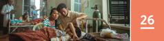 Lección 26. Unos padres preocupados sentados junto a su hijo, que sufrió una tragedia y está acostado en la cama de un hospital.