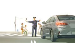 Poliisi käskee autoilijaa pysähtymään vilkkaassa risteyksessä, jotta eri-ikäiset ihmiset pääsevät ylittämään kadun.