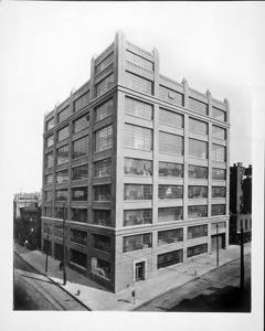 アダムズ通り117番の建物