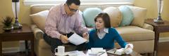 Egy házaspár pénzügyekről beszélget