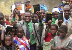 Jehovah's Witnesses in Mozambique with new Bible literature