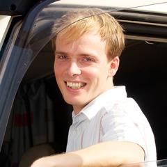 Benjamin mit einem Lächeln