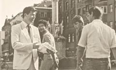 Gerrit Lösch memberikan kesaksian di jalan, Austria