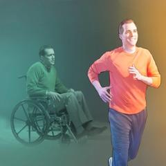 En mand i en kørestol går igen