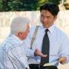 Hiroo predicando na un homber