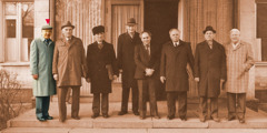 Ted Jaracz och andra bröder utanför justitieministeriet i Moskva.