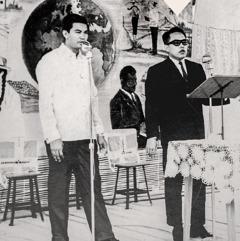 Feliks Fahardo drži govor na kongresu 1963. godine
