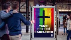 Eşcinselliği hoş gören bir kilisenin afişi