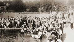 Many with the earthly hope get baptized at the 1935 convention
