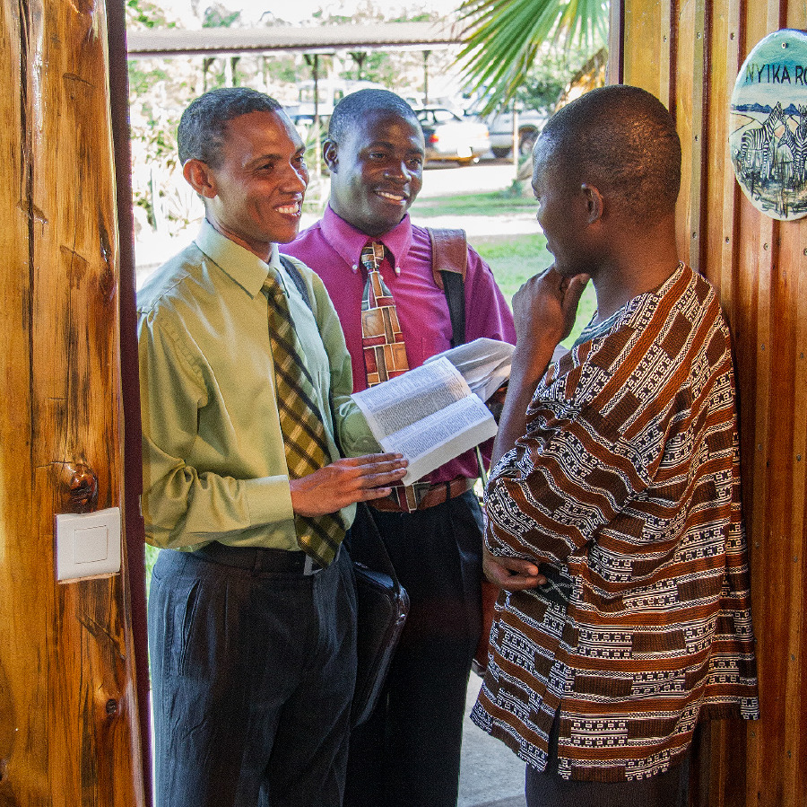 Two brothers in the door-to-door ministry share a scripture with a man  sc 1 st  JW.org & Pioneering\u2014Why Do Many Witnesses Try It?