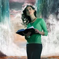 Sisar mietiskelee sitä, mitä hän on lukenut Raamatusta