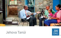 Egy jw.org-os kártyán egy Jehova Tanúja tanulmányozza a Bibliát egy családdal