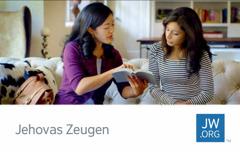 Eine Kontaktkarte für jw.org, auf der man eine Zeugin Jehovas sieht, die einen Bibeltext vorliest