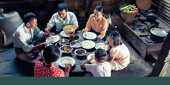 Jehovah's Witnesses in Myanmar enjoy a meal together