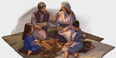 Malbeta Îsraêlî, goştê heywana ku ça diyariya heleqetiyê hatibû qurbankirinê, dixwin.