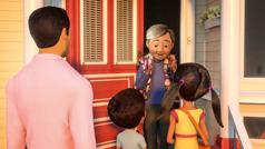 En scene fra videoen 'Bli Jehovas venn: Forkynn på et annet språk'. Den samme damen blir glad da Jakob og Sofie hilser på henne på kinesisk.