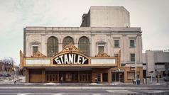 Bangunan Stanley Theater ing taun 1983.