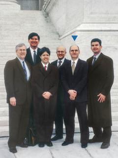 Richard Moake, Gregory Olds, Paul Polidoro, Philip Brumley, Don Ridley, lan Mario Moreno ing Pengadilan Tinggi Amerika Serikat.