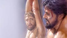 Jesús colgado en el madero. Asu lado, un delincuente lo está mirando.