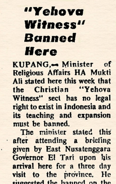 A newspaper announces the ban on Jehovah's Witnesses in Indonesia, December 1976
