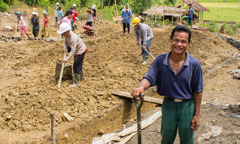 Angeragō Hia with other Kingdom Hall construction volunteers in Tugala Oyo, Nias Island