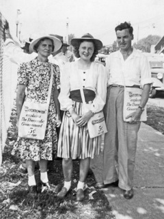 Mildred Olson with her parents