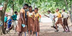 Manuriaigö samösa zi bohou ebua khö ndra awönia sekola ba Ghana, i'oguna'ö risalah