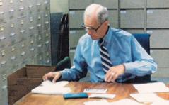 Charles Molohan pe prepar bann diplom pou bann zelev Galaad