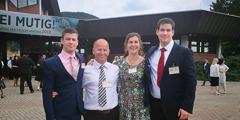 อาร์ตัน ยูลินดา และลูกชาย 2 คนที่การประชุมใหญ่ของพยานพระยะโฮวา