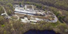 Et luftfoto af grunden uden for New York