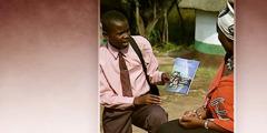 Свидетель Иеговы проповедует